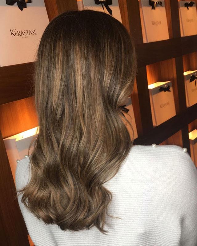 long wavy brunnette hair