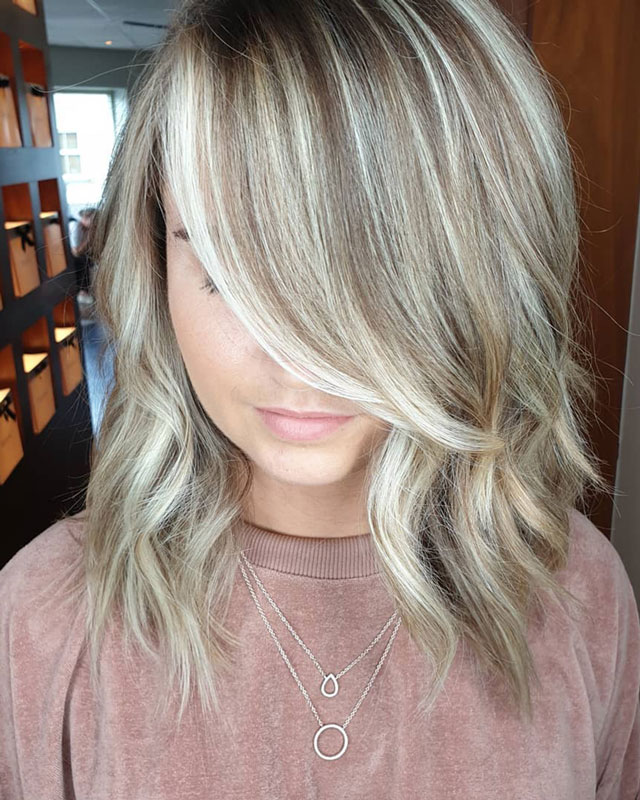 shoulder length wavy blonde hair
